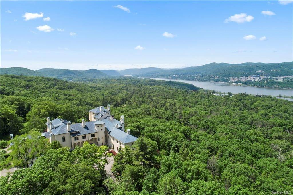 Residential for Sale at 40 Dicks Castle Road Philipstown, New York 10524 United States