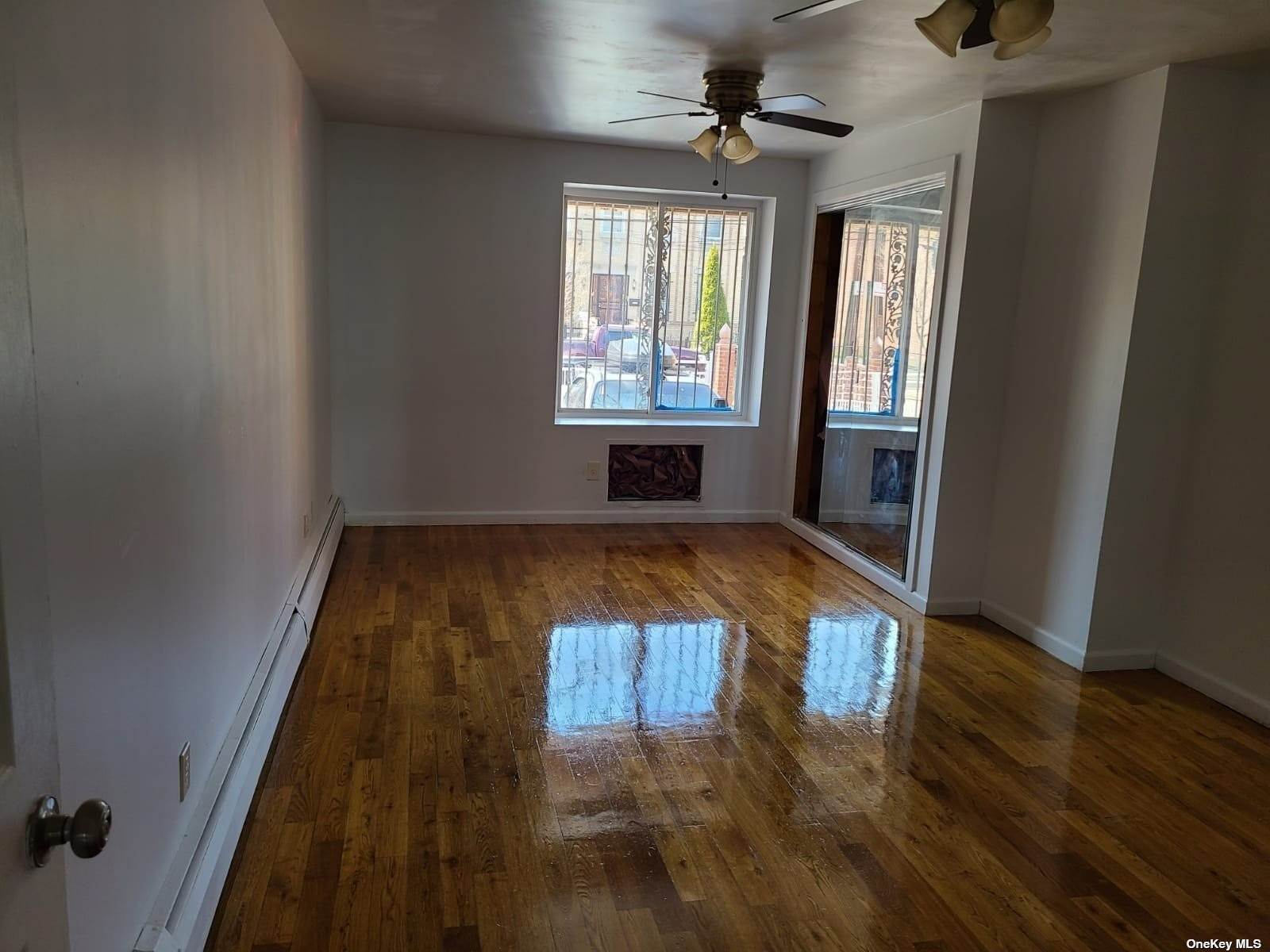 Residential Lease om 34-17 99th Street # 1 F Corona, New York 11368 Verenigde Staten
