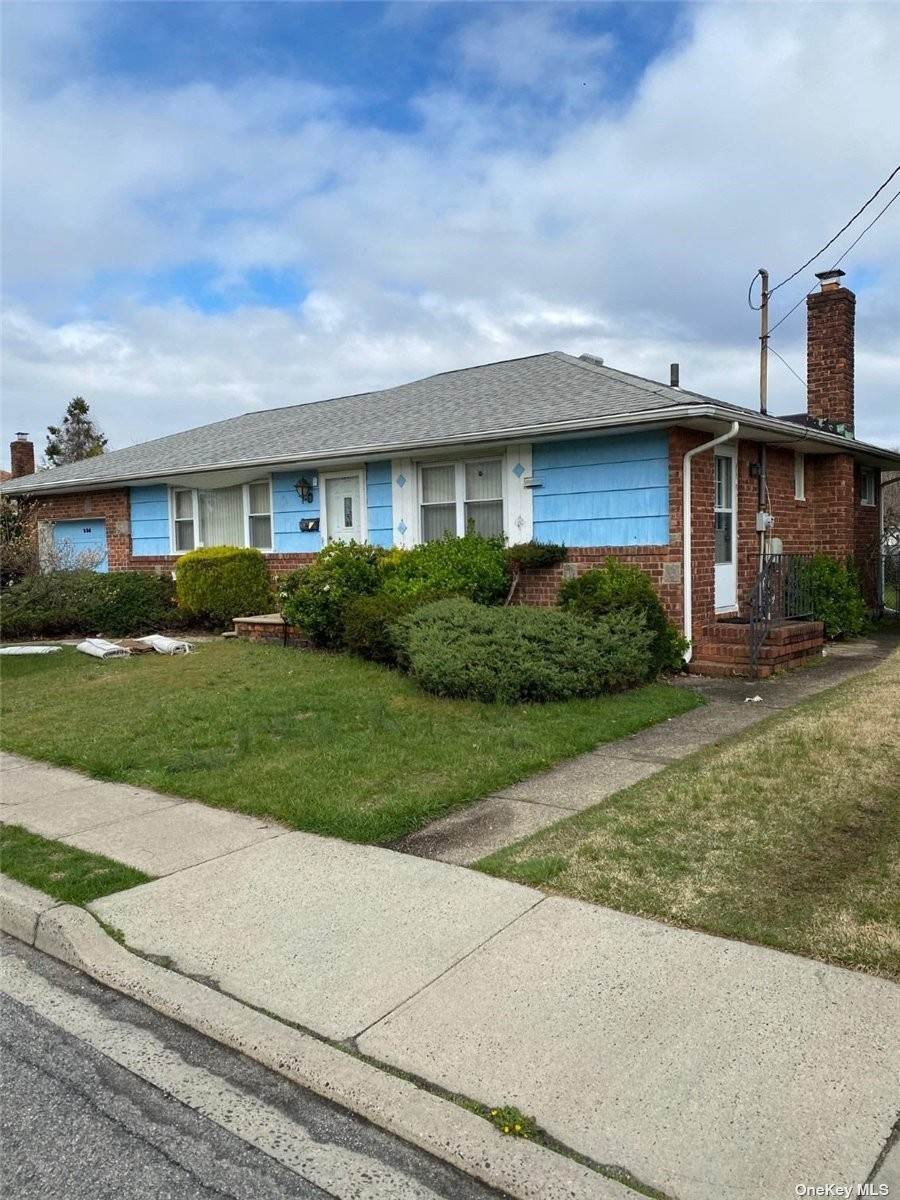 Residential Lease at 324 Roquette Avenue Floral Park, New York 11001 United States