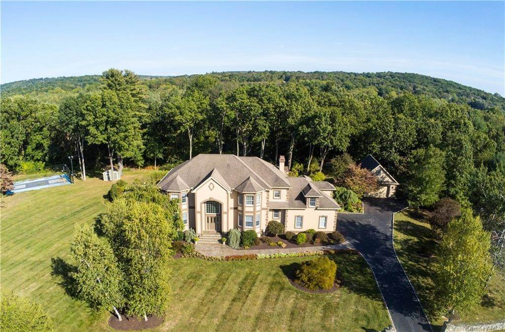 Residential for Sale at 8 Apple Summit Lane La Grange, New York 12540 United States