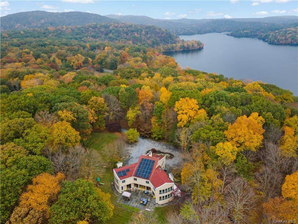 Residential for Sale at 32 Fox Run Road, Cortlandt, NY 10520 Cortlandt Manor, New York 10520 United States
