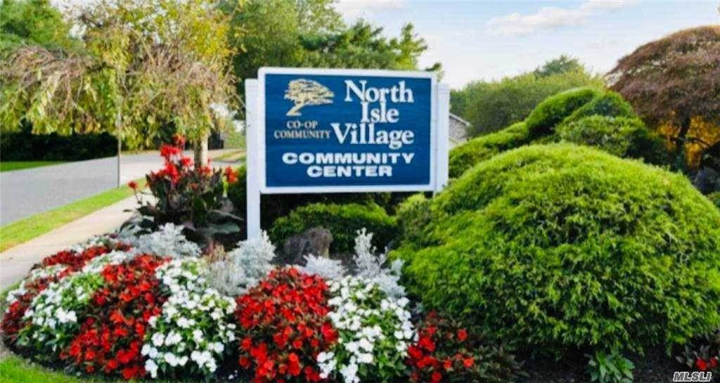Residential Lease om 8 S Pointe Circle, Coram, NY 11727 Coram, New York 11727 Verenigde Staten