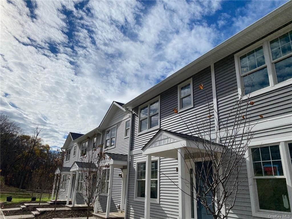 Residential Lease bei 3195 E Main Street # 10, Cortlandt, NY 10547 Cortlandt Manor, New York 10547 Vereinigte Staaten