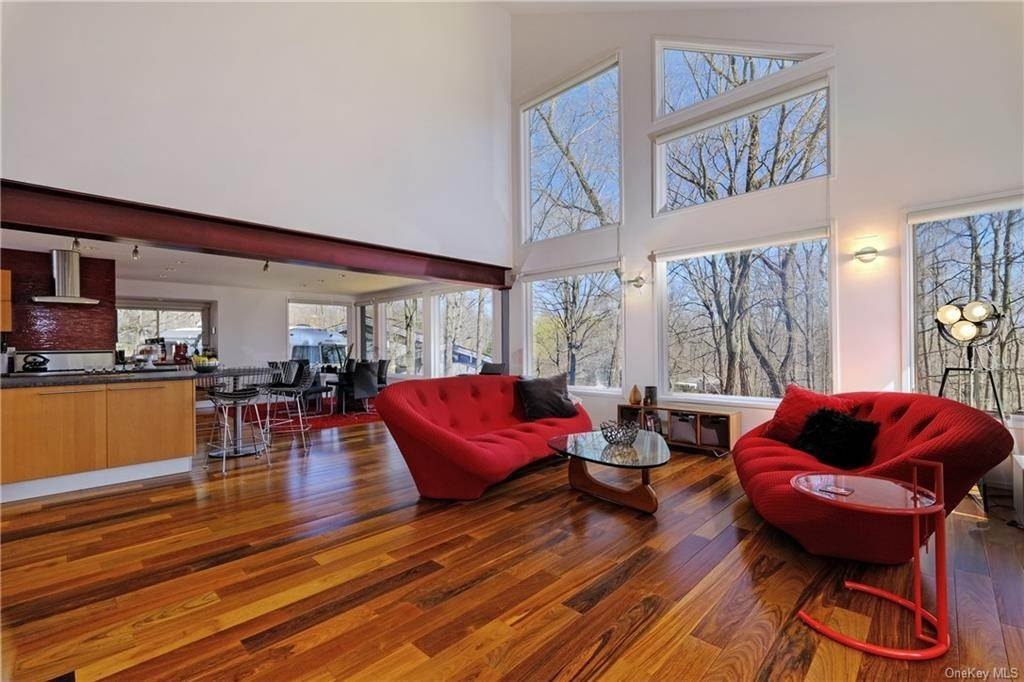 Residential for Sale at 2 Georgia Lane Cortlandt Manor, New York 10520 United States