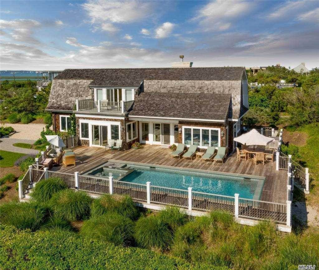 Residential Lease at 103/105 Dune Road, E. Quogue, NY 11942 East Quogue, New York 11942 United States