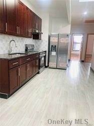 Residential Lease at 31-46 30 Street # 2Fl, Astoria, NY 11105 Astoria, New York 11105 United States