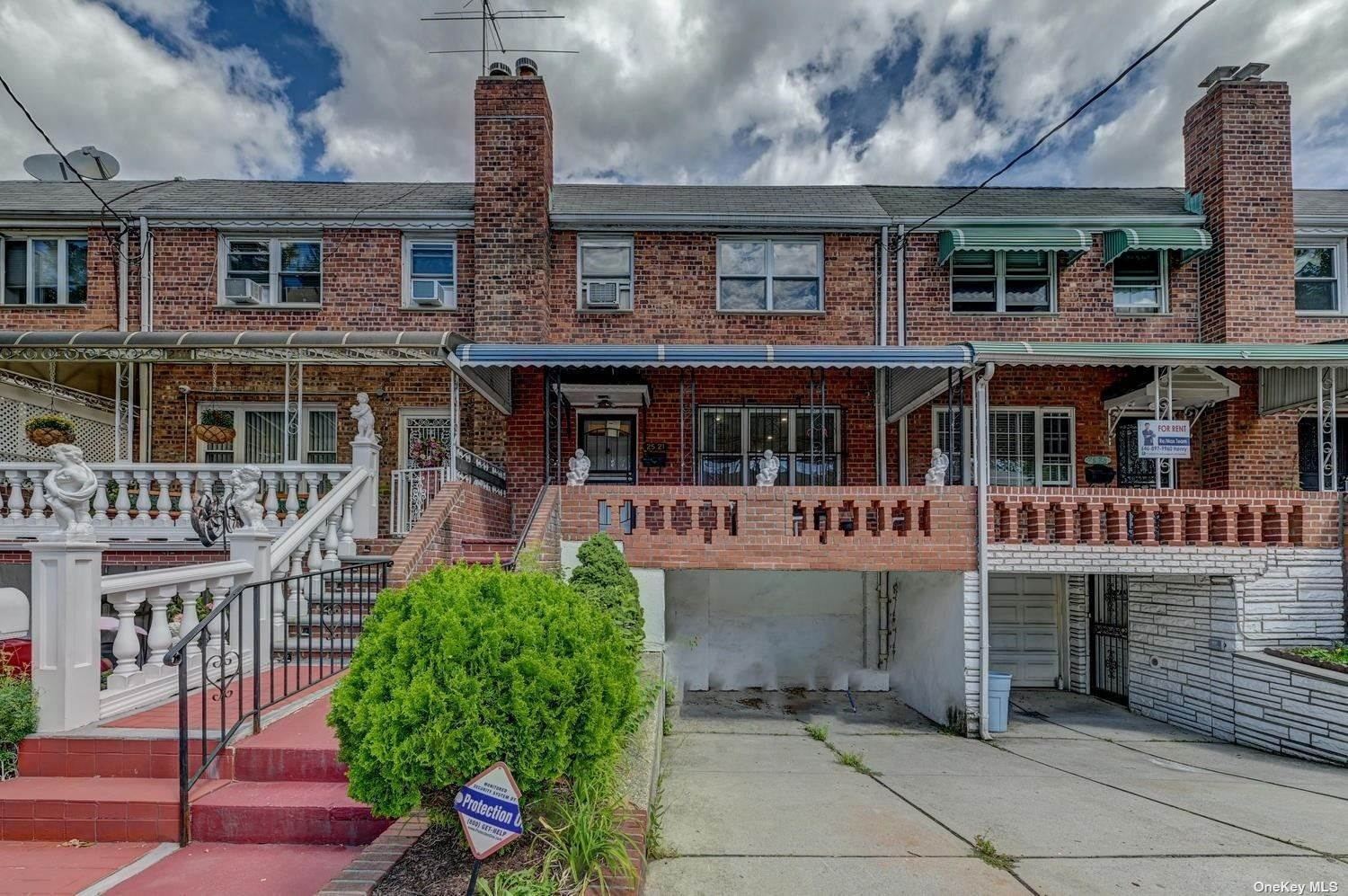 Residential Lease vid 25-21 88th Street East Elmhurst, New York 11369 Förenta staterna