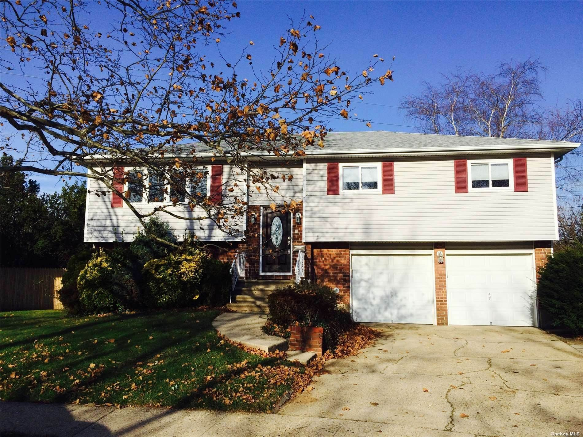 Residential Lease bei 109 Greenway Drive Farmingdale, New York 11735 Vereinigte Staaten