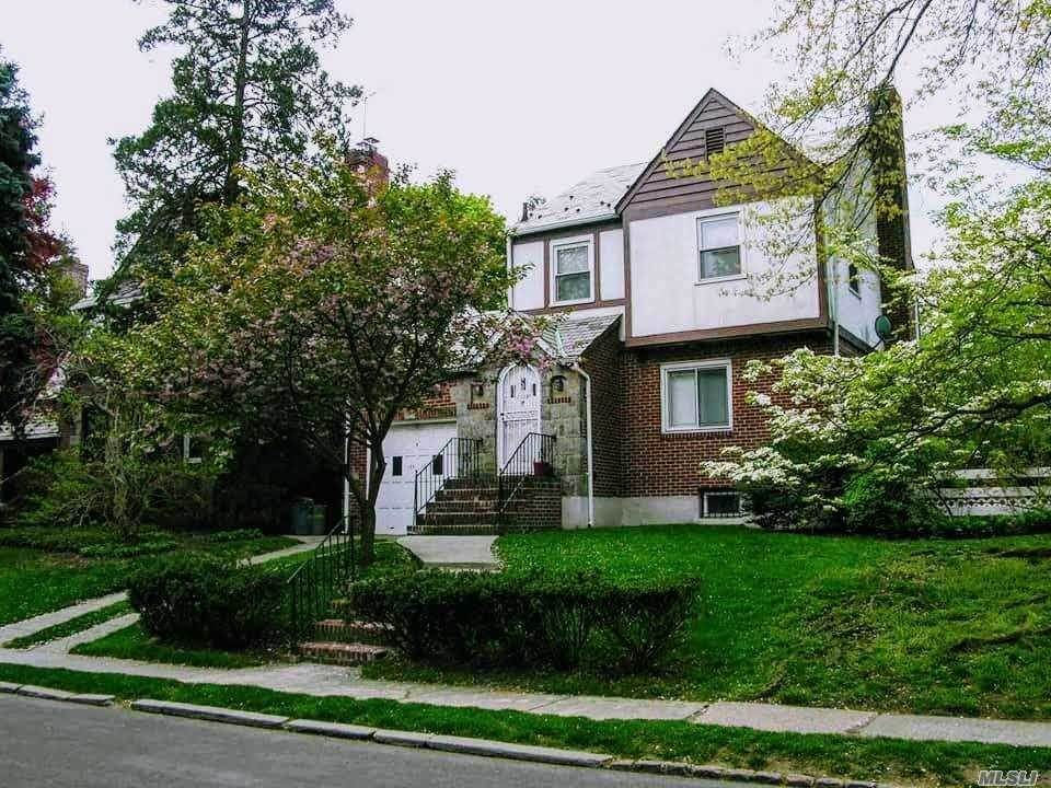 Residential Lease at 144-10 Coolidge Avenue, Briarwood, NY 11435 Briarwood, New York 11435 United States
