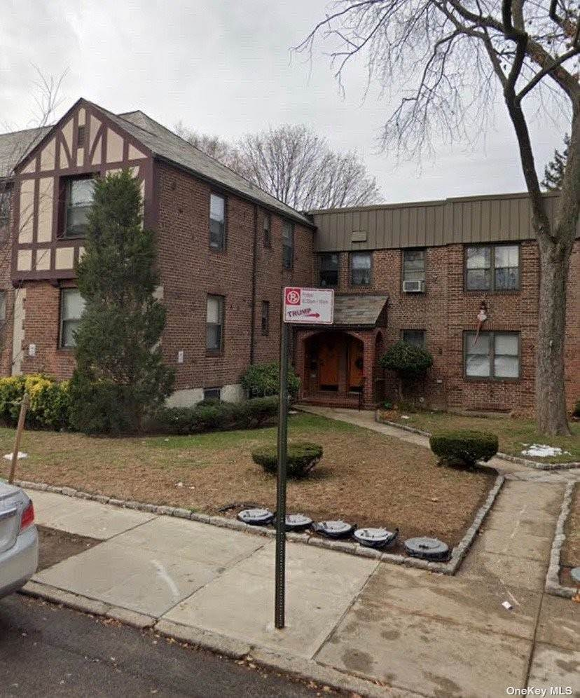 Residential Lease vid 19-56 79th Street # 1 East Elmhurst, New York 11370 Förenta staterna