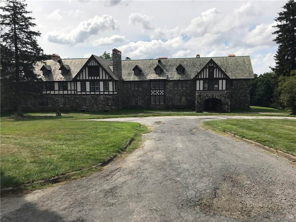 Commercial for Sale at 2016 Quaker Ridge Road, Cortlandt, NY 10520 Cortlandt Manor, New York 10520 United States