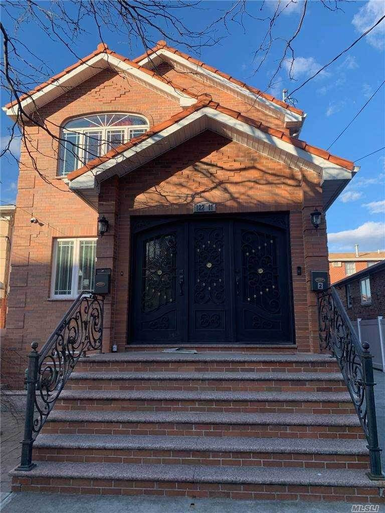 Residential Lease bei 122-11 25th Ave # 1st fl, College Point, NY 11356 College Point, New York 11356 Vereinigte Staaten