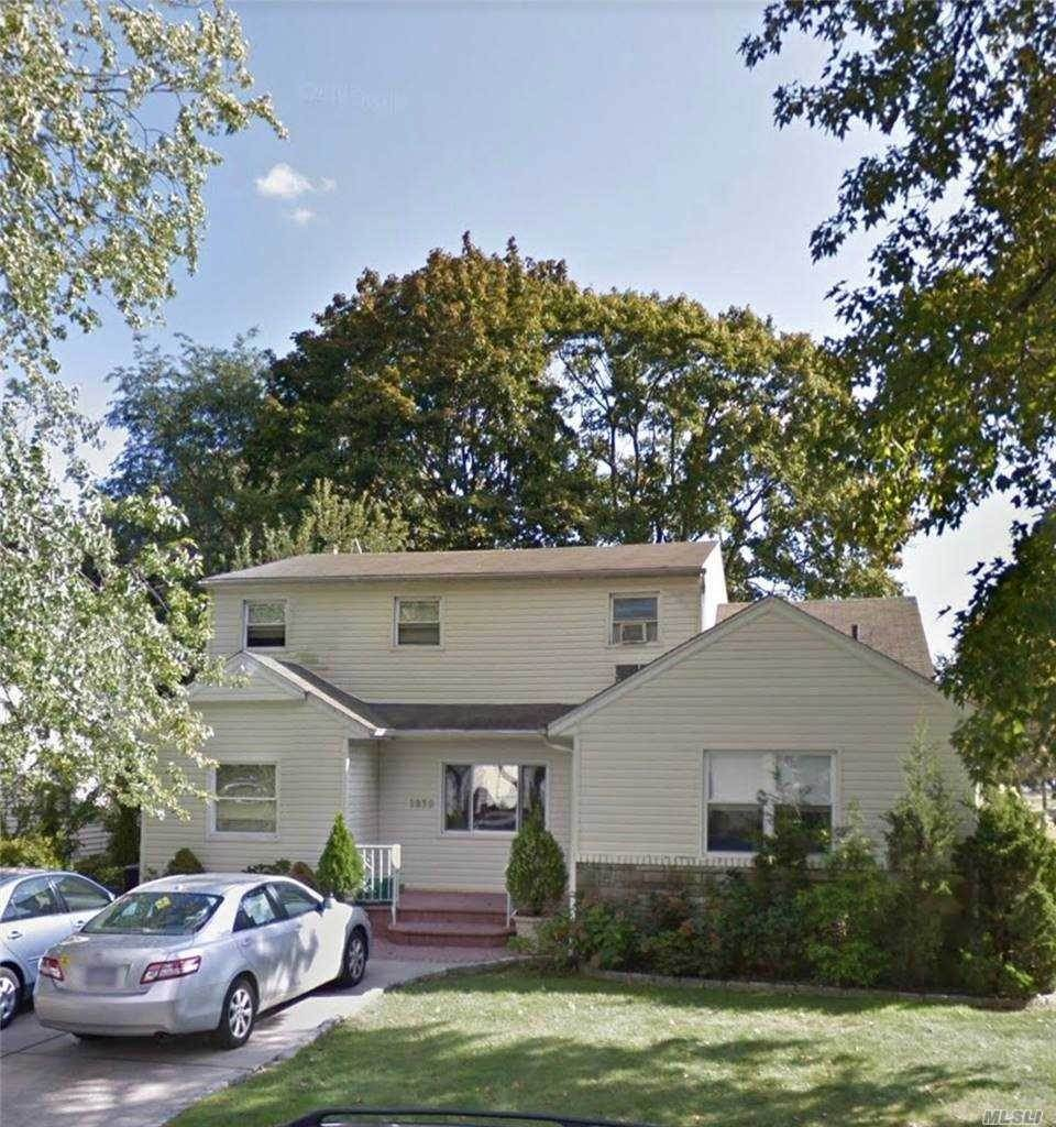 Arrendamento Residencial em 1830 Harvey Lane, East Meadow, NY 11554 East Meadow, Nova York 11554 Estados Unidos