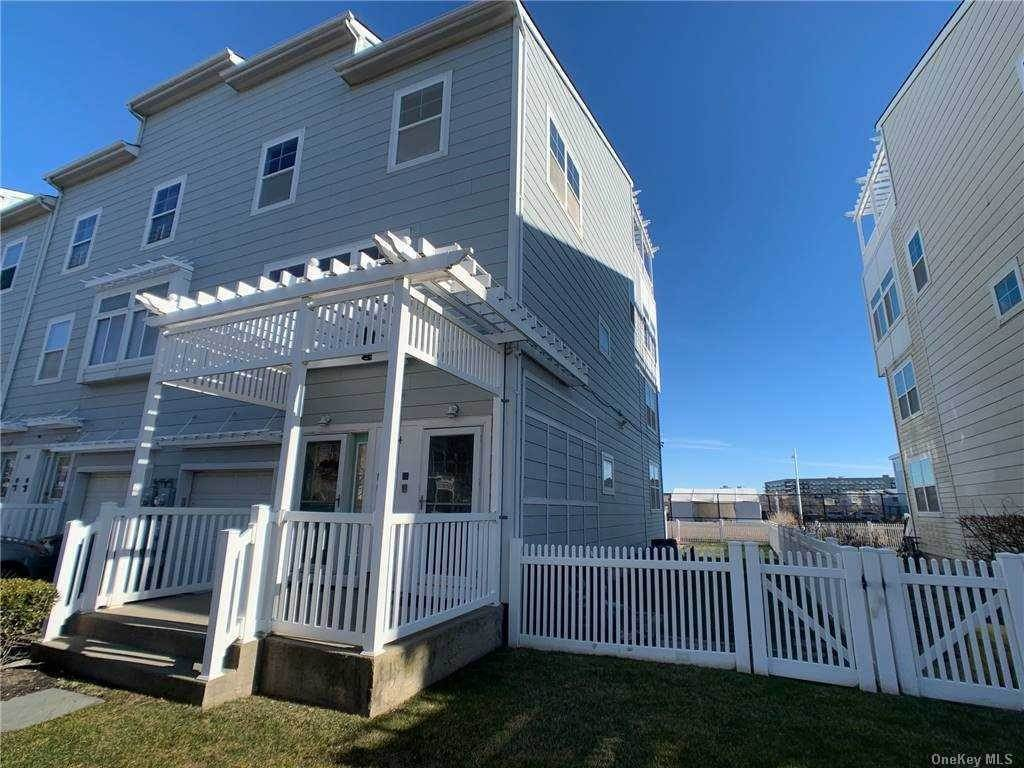 Residential Lease at 244 Beach Breeze Pl, Arverne, NY 11692 Arverne, New York 11692 United States