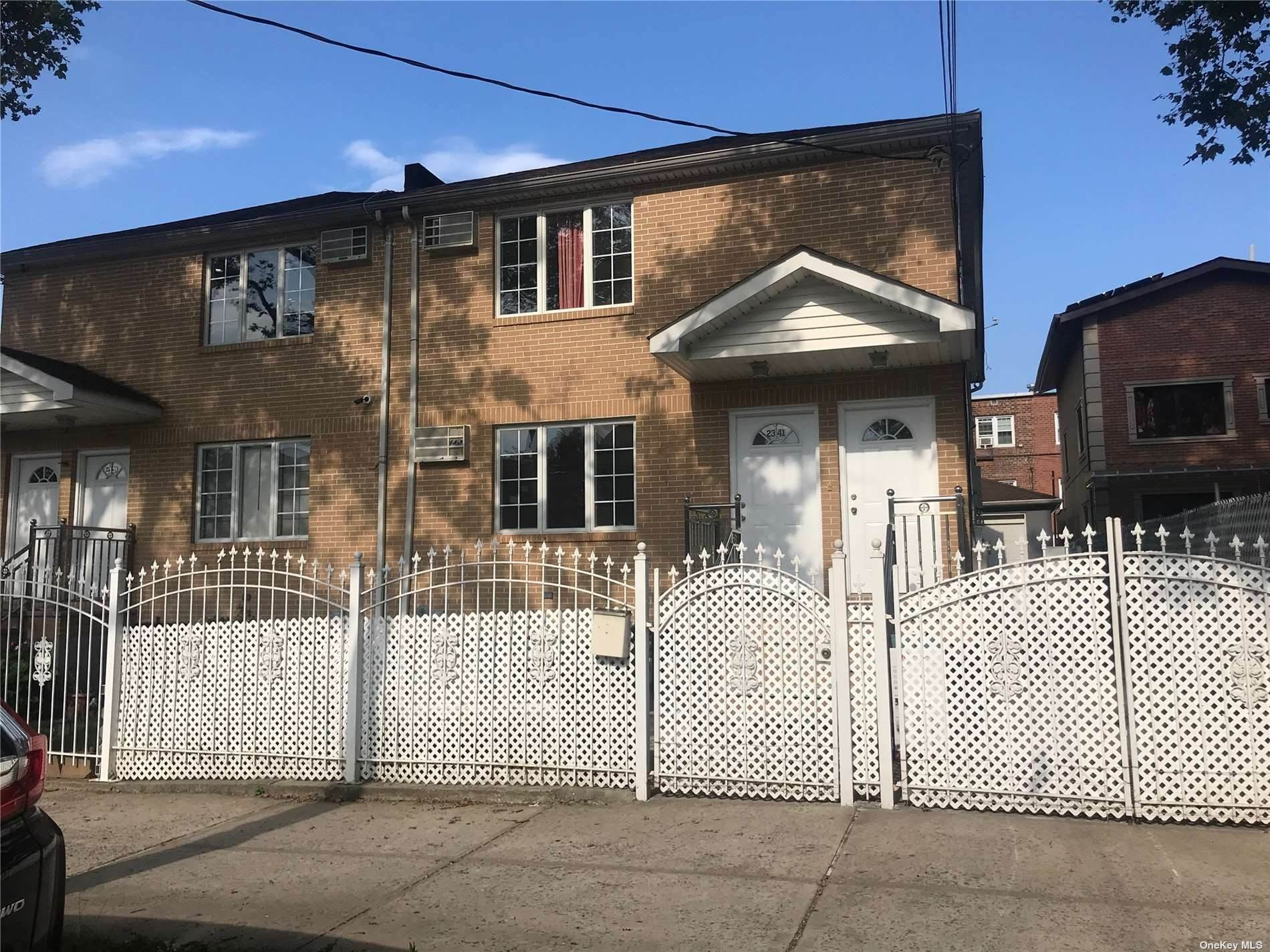 Residential Lease vid 23-41 92nd Street # 1 East Elmhurst, New York 11369 Förenta staterna