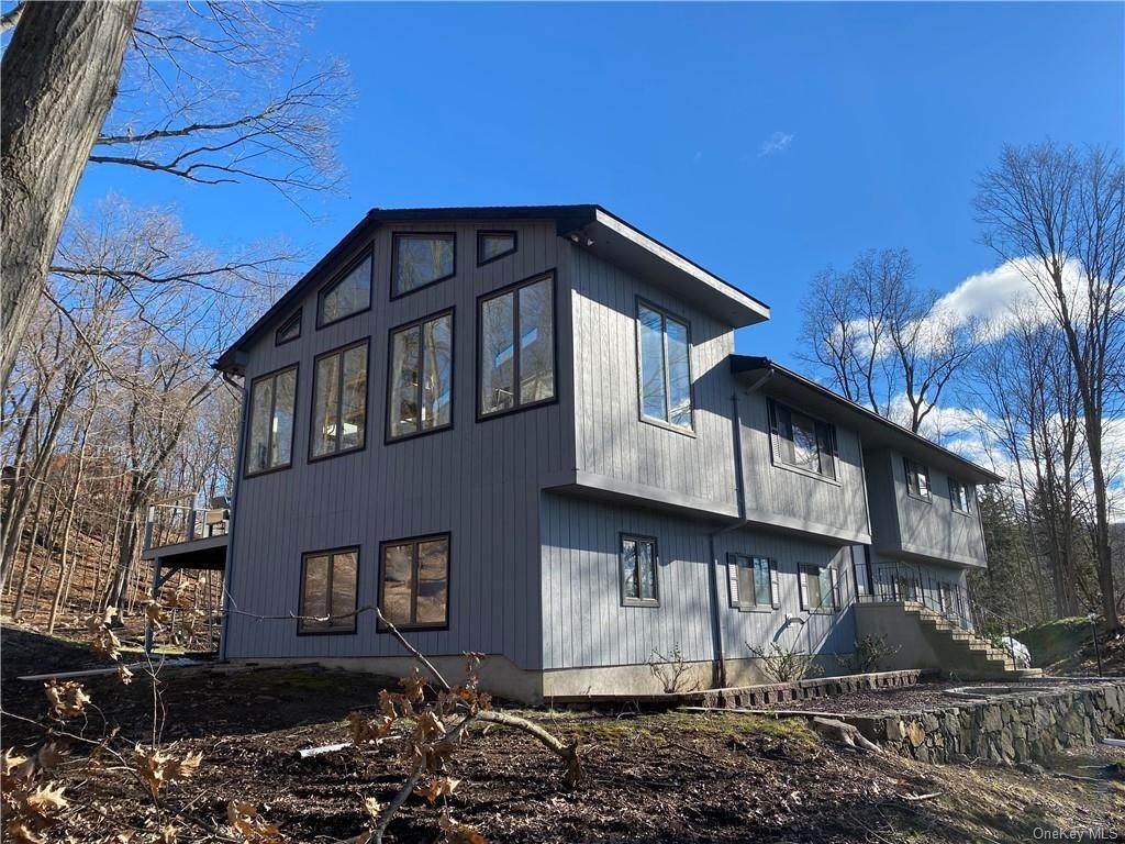 Residential for Sale at 2358 Maple Avenue Cortlandt Manor, New York 10567 United States