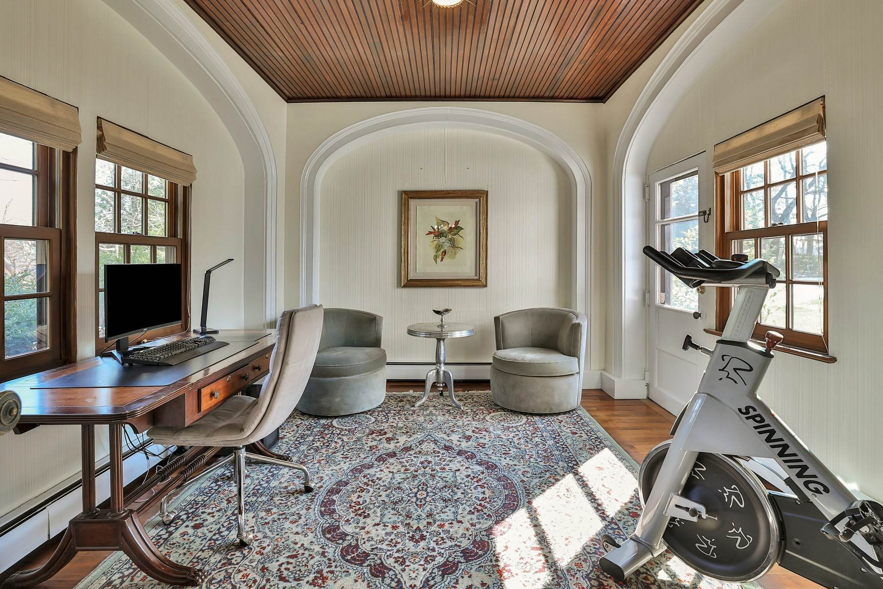17. Single Family Homes for Sale at Light Filled, Sophisticated Tudor 210 Elm Road Briarcliff Manor, New York 10510 United States