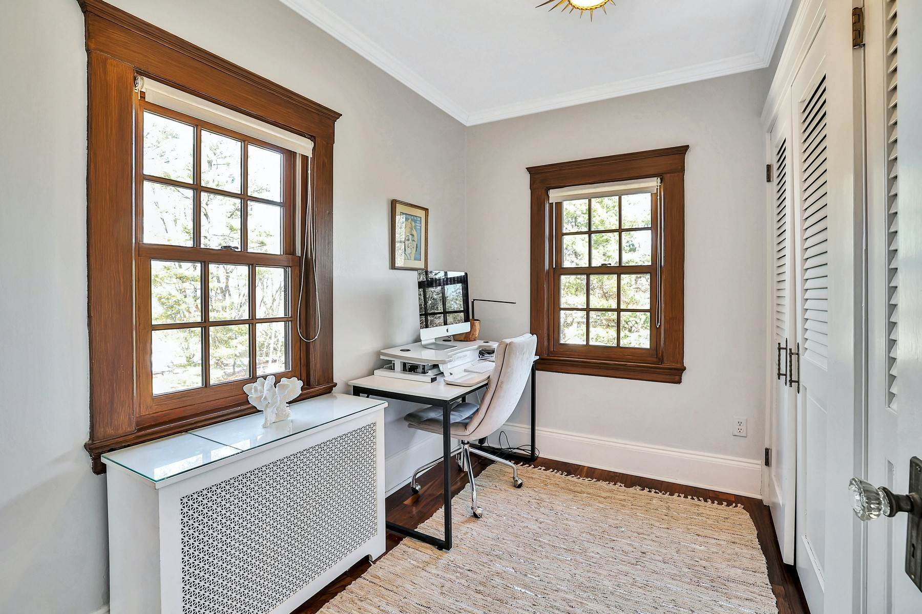 27. Single Family Homes for Sale at Light Filled, Sophisticated Tudor 210 Elm Road Briarcliff Manor, New York 10510 United States