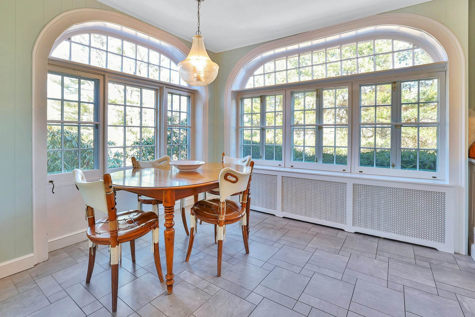 12. Single Family Homes for Sale at Light Filled, Sophisticated Tudor 210 Elm Road Briarcliff Manor, New York 10510 United States