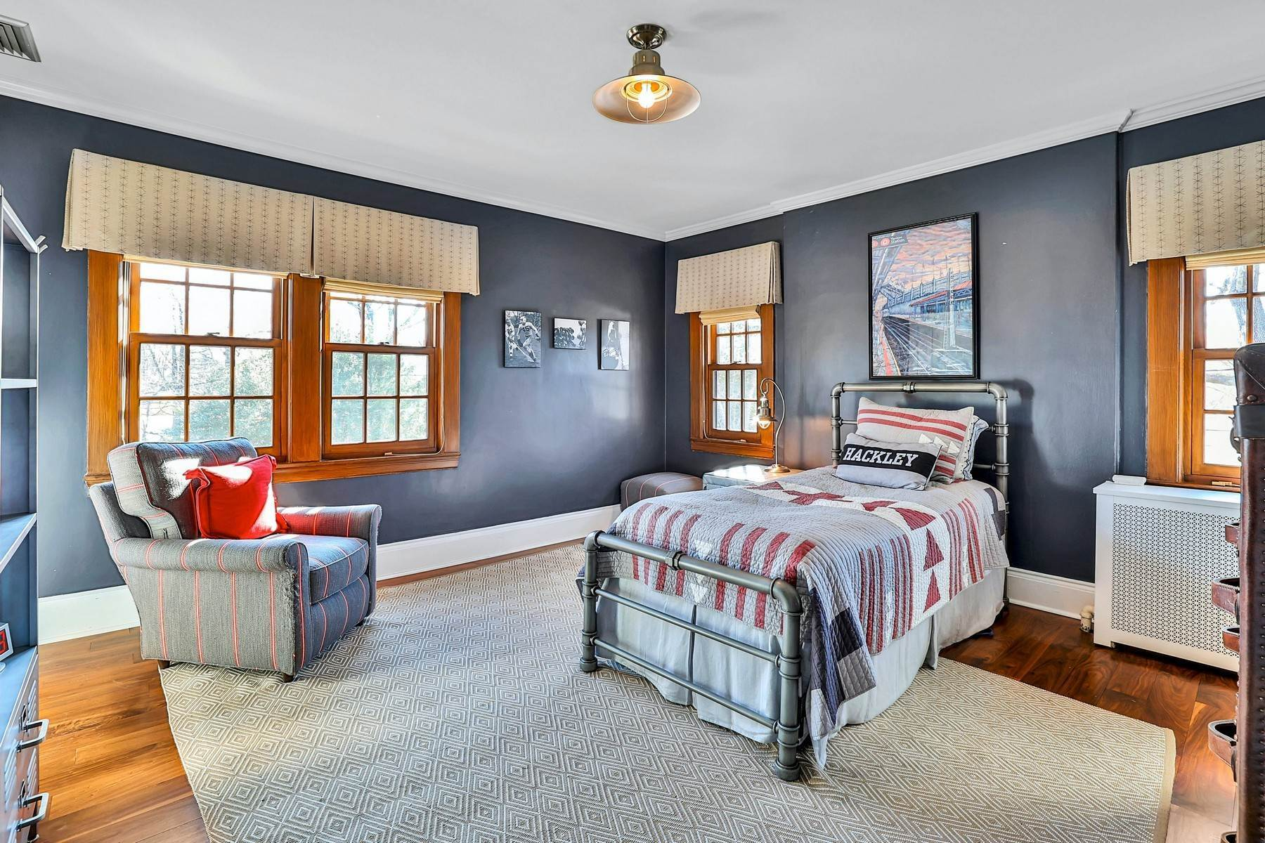 25. Single Family Homes for Sale at Light Filled, Sophisticated Tudor 210 Elm Road Briarcliff Manor, New York 10510 United States