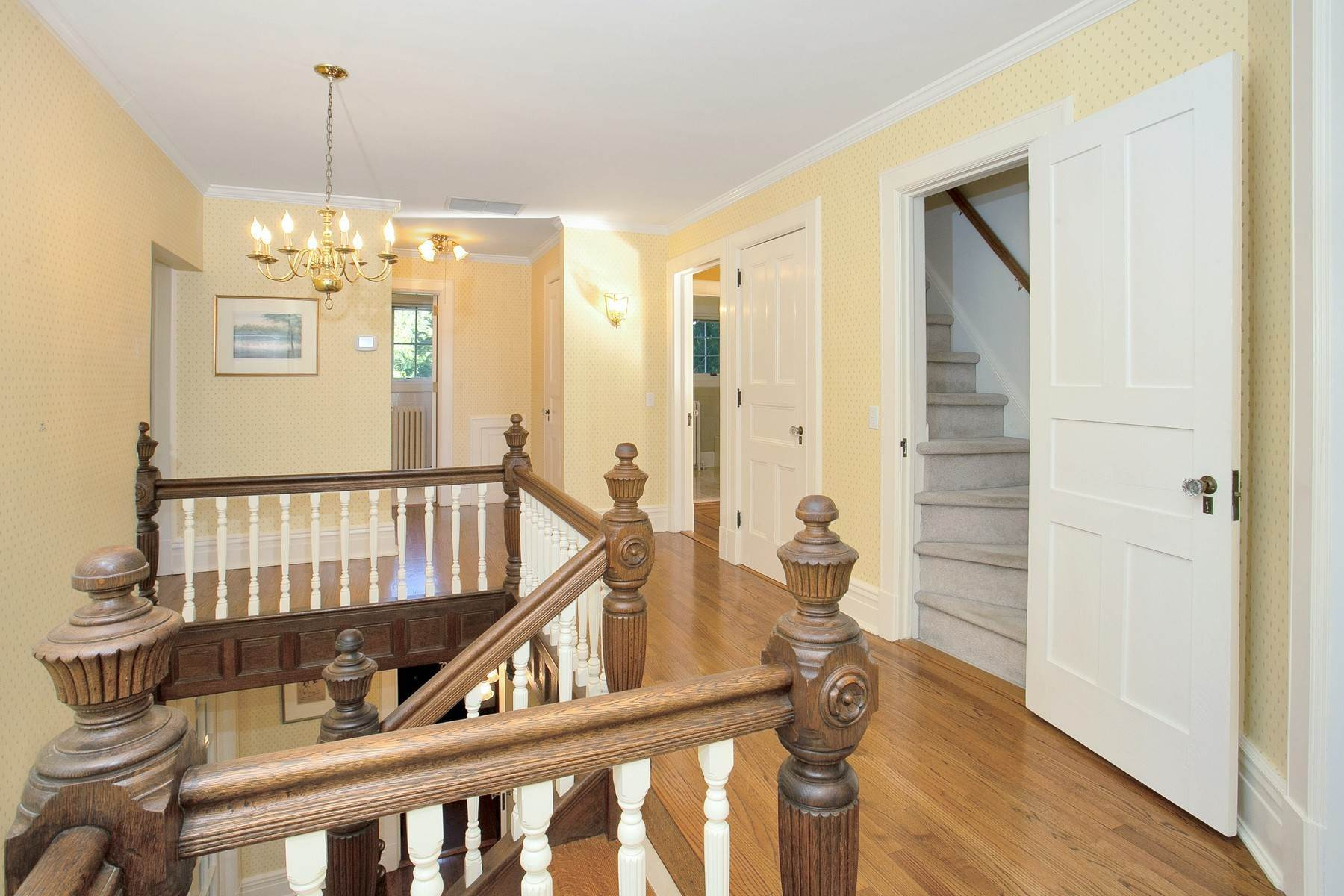 14. Single Family Homes for Sale at Rivertown Colonial with Modern Elegance 6 Oak Hill Terrace Ossining, New York 10562 United States