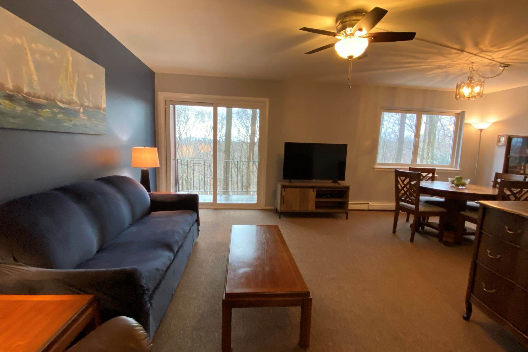 Co-op Properties для того Продажа на Hudson Woods Estates 16 Scenic Drive, Unit D Croton On Hudson, Нью-Йорк 10520 Соединенные Штаты
