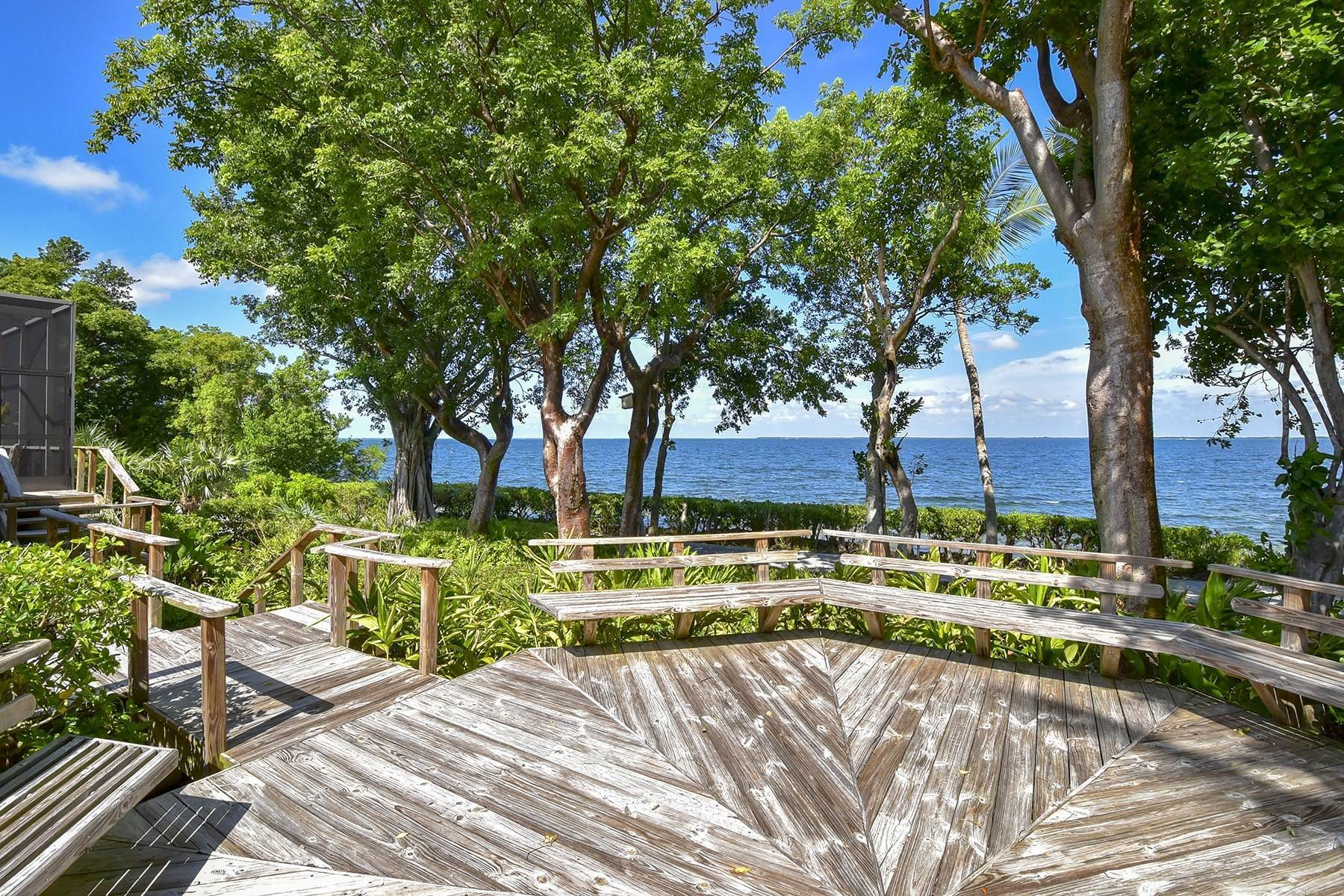 41. Property for Sale at 10 Cannon Point, Key Largo, FL 10 Cannon Point Key Largo, Florida 33037 United States