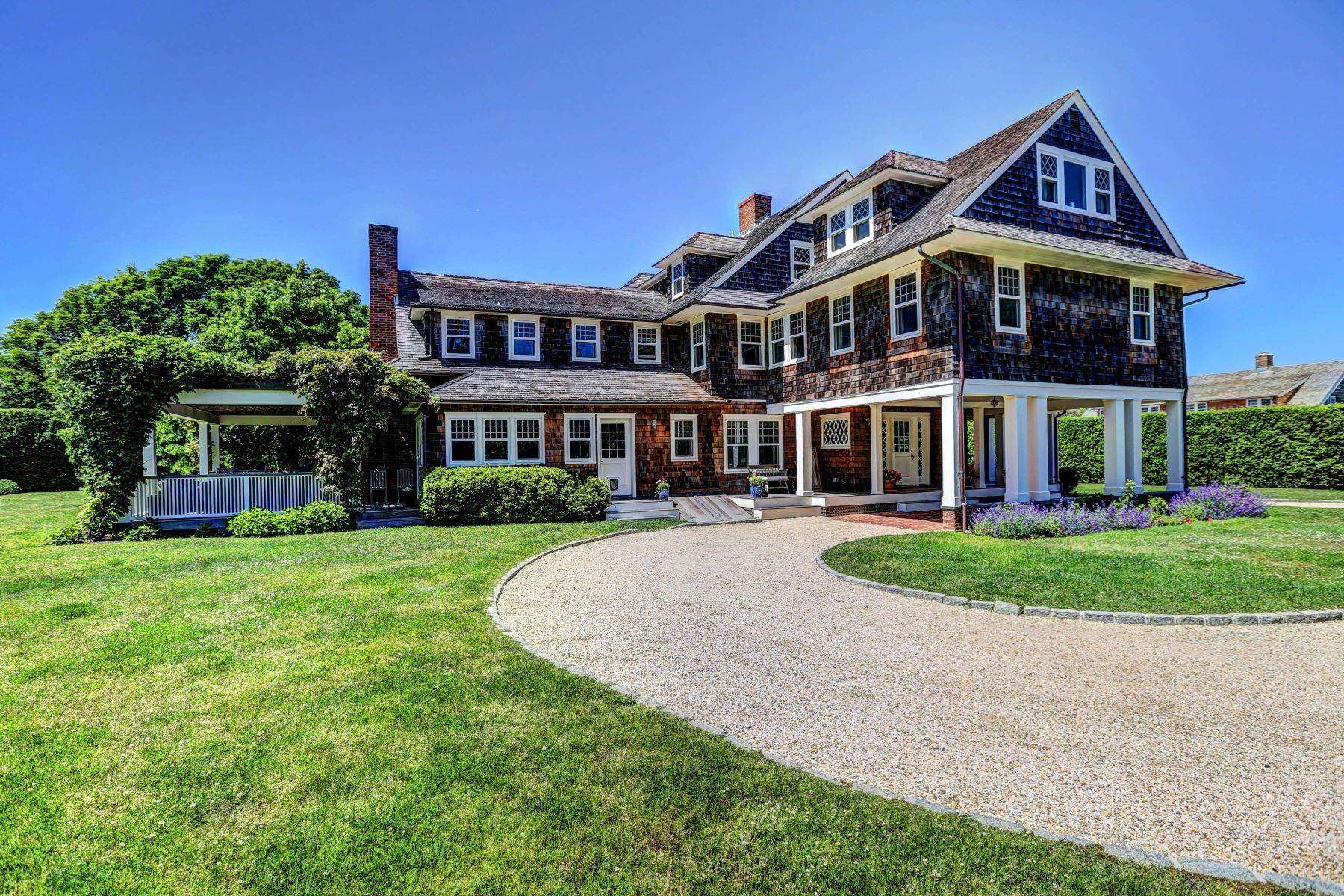 Single Family Homes at Ocean Breezes 16 Drew Ln East Hampton, ニューヨーク 11937 アメリカ