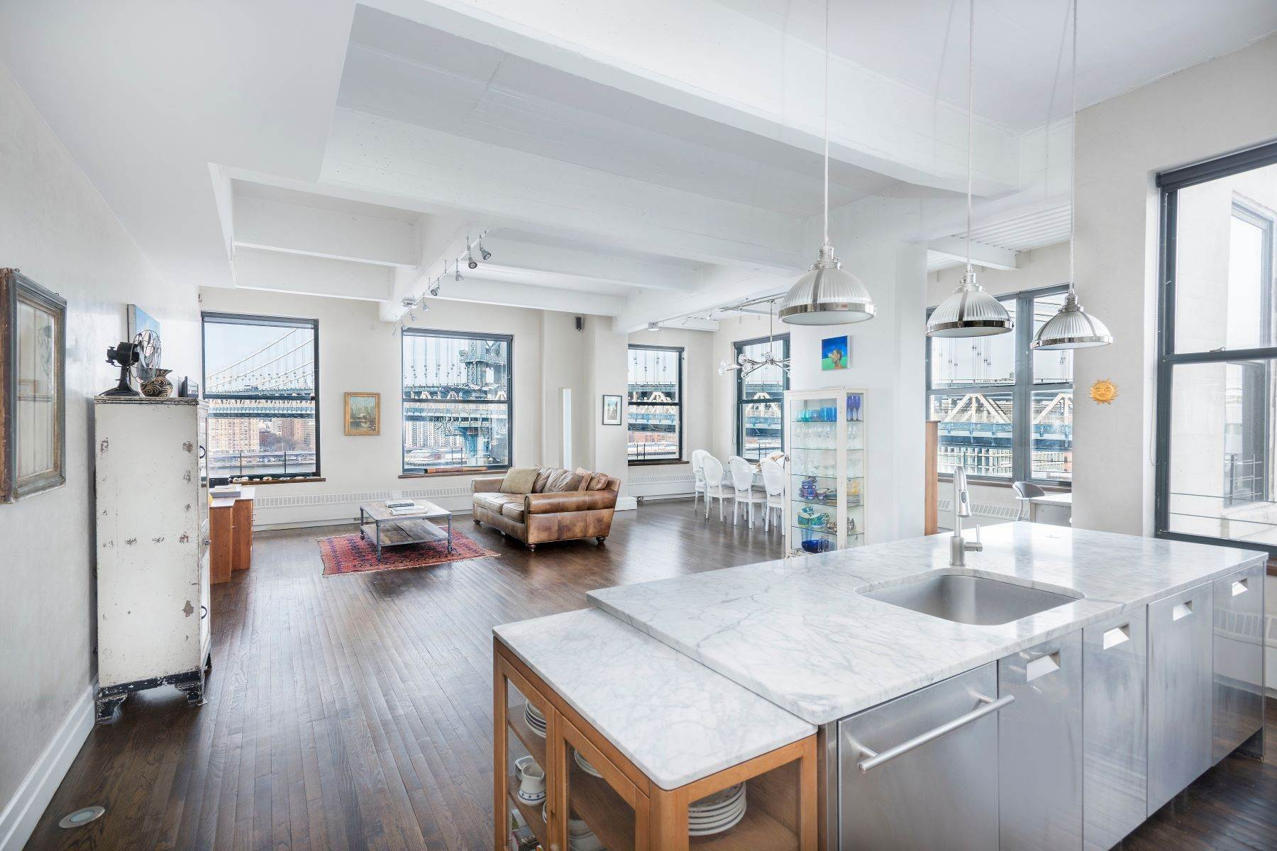 Condominiums at Sprawling DUMBO Corner Loft 1 Main Street, Apt 9D Brooklyn, ニューヨーク 11201 アメリカ