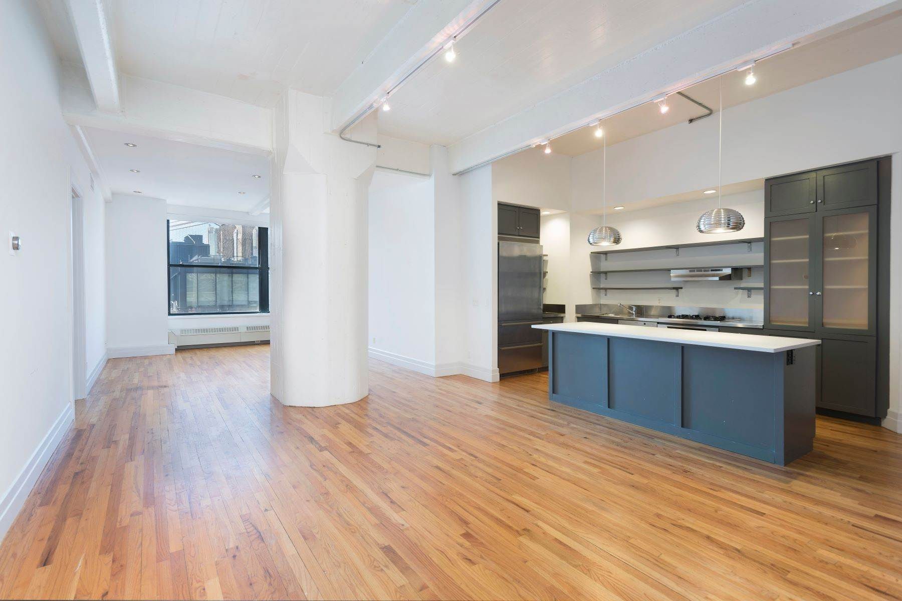 True Definition of a DUMBO Loft 1 Main Street, Apt 5L Brooklyn, 뉴욕 11201 미국에 Condominiums