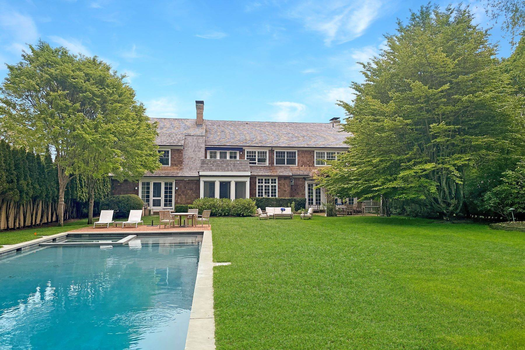 Single Family Homes at Private Village Home 48 Huntting Lane East Hampton, ニューヨーク 11937 アメリカ